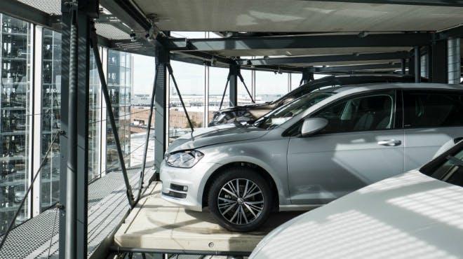 Autoturm in der Autostadt in Wolfsburg