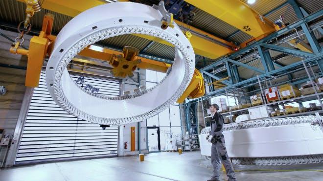 ENERCON Generator-Montage im Werk Mechanic Aurich