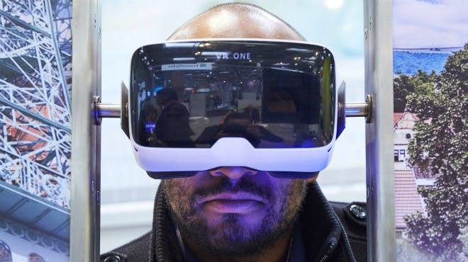 VR-Brille am Stand MWK 2016
